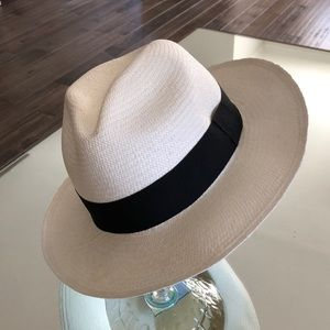 Panama Hat, new with tags! Perfect for the beach!